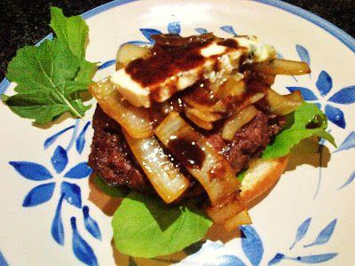 Gourmet Kudu & Pinotage Burger Recipe, with caramalised onion, rocket and blue cheese