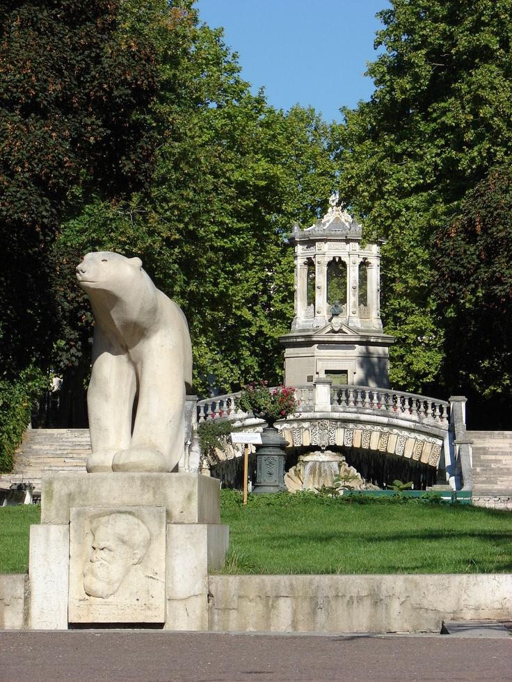 Square Darcy -  Dijon France   Un très joli parc à visiter absolument en venant à Dijon