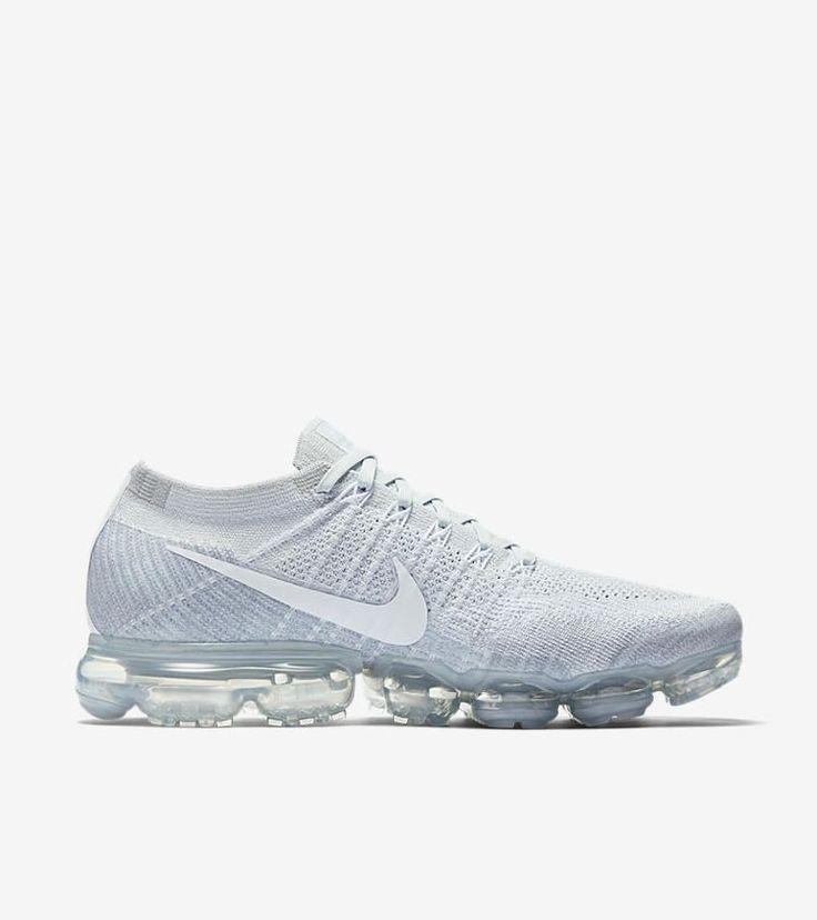 Nike Air VaporMax 'Pure Platinum'. Nike+ SNKRS