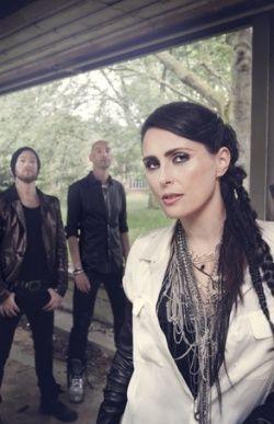 Within Temptation to holenderski zespół grający metal symfoniczny/rock, który zagra już 30 lipca na Woodstockowej scenie