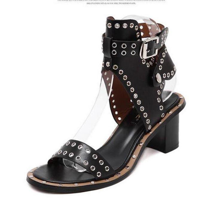 Nouveau Style D'été Femme Mode Bride à La Cheville Rome moyen talon Chaussures Rivets Carré Sandales dans Femmes de Sandales de Chaussures sur AliExpress.com | Alibaba Group