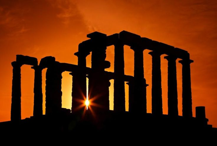 A half day afternoon trip from Athens full of images. Begin your Sounio tour with a wonderful drive along the scenic coastal road which affords a splendid view of the Saronic Gulf, passing through some of Athens most beautiful suburbs (Glyfada,Vouliagmeni, Varkiza). Travel with Tourboks!
