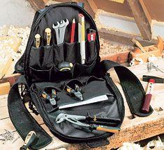Manchmal sind Werkzeugkästen einfach zu sperrig. Mit der Werkzeugtasche haben Heimwerker auch beim Arbeiten auf dem Dach ihr Werkzeug immer griffbereit.