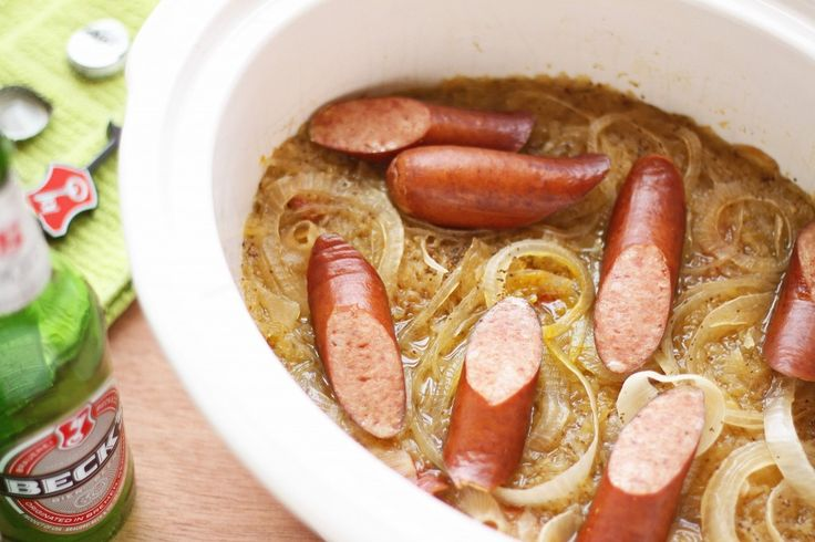 Slow Cooker Sausage with Bavarian Sauerkraut: Cooker Recipes, Recipes Adaptive, Food Crockpot Cooking, Slow Cooking, Bavarian Recipes, Fresh Cooking, Bavarian Sauerkraut, Oktoberfest Recipes, Cooker Sausages