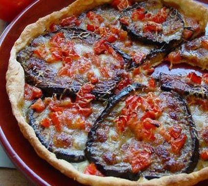 Tarte d'aubergines, tomate et poivron