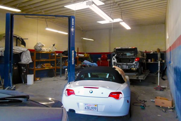 One of the most critical repair works we do is on the frame or the inner structure of the car. It is important to bear in mind that vehicles differ in their frame structures. http://www.worldautola.com