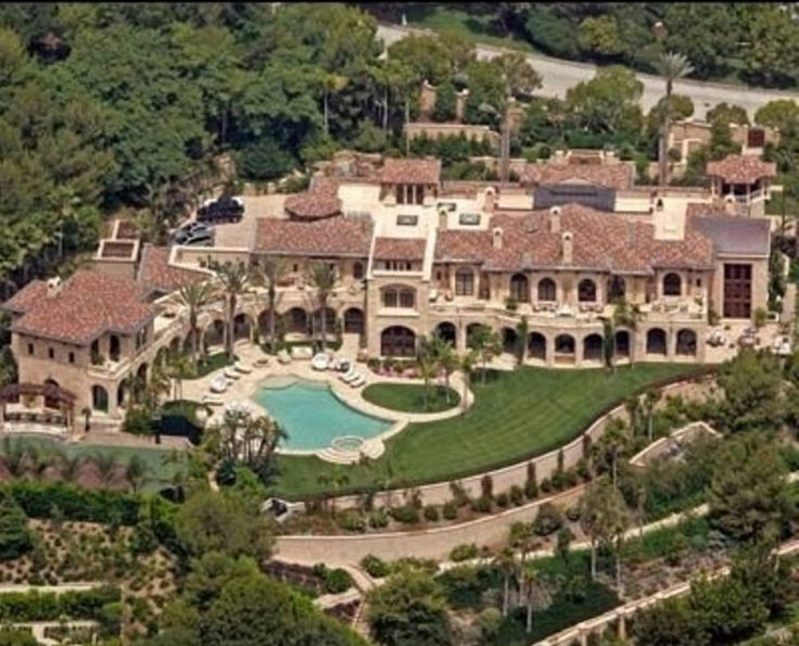 Ed Murphy S Million Dollar Mansion In Beverly Hills With Map Of Stars Homes Hollywood