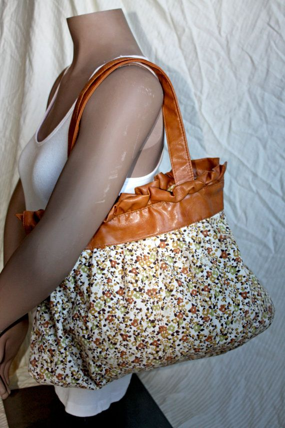 Amici Floral Print Canvas Shoulder Bag by in2purses2010 on Etsy, $15.00