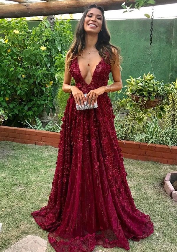 Vestido marsala: seleção de longos para madrinhas e formandas - Pronta pra Festa | Vestidos, Vestidos longos formais, Vestidos glamourosos