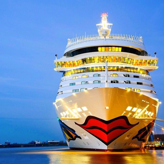 Aida Bella docked early before sunrise #AidaBella