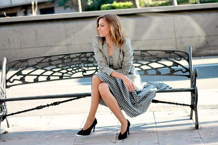 #fetishpantyhose #pantyhosefetish #legs #heels #blogger #stiletto #pantyhose #collant #tan