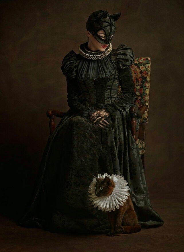 Catwoman Siglo XVI
