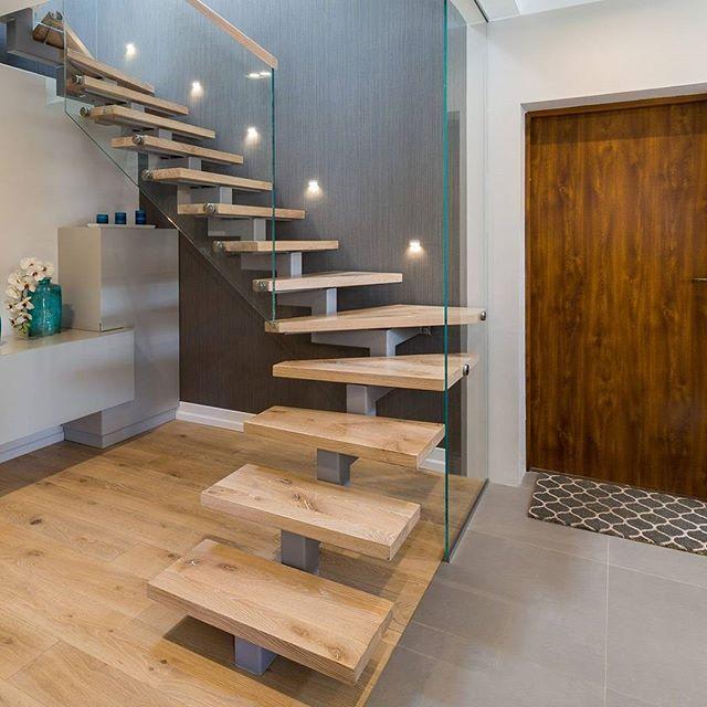 #schody #schodywewnetrzne #dom #inspiracje #interior #nowydom #wystrój #mójdom #nowoczesne #nowoczesneschody #konstrukcjestalowe #schodystalowe #budujemydom #budowa #noweschody #luksus #luksusoweschody  #stairs #homestairs #luxury  #luxurystairs