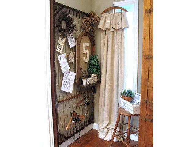 Avec un vieux cadre de sommier m tallique originale tringle rideaux relooking et recyclage - Transformer des vieux meubles ...