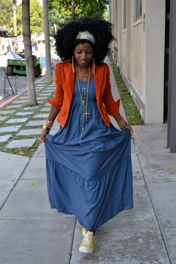 just gave me an idea on how to rock my denim maxi dress in the fall!!!