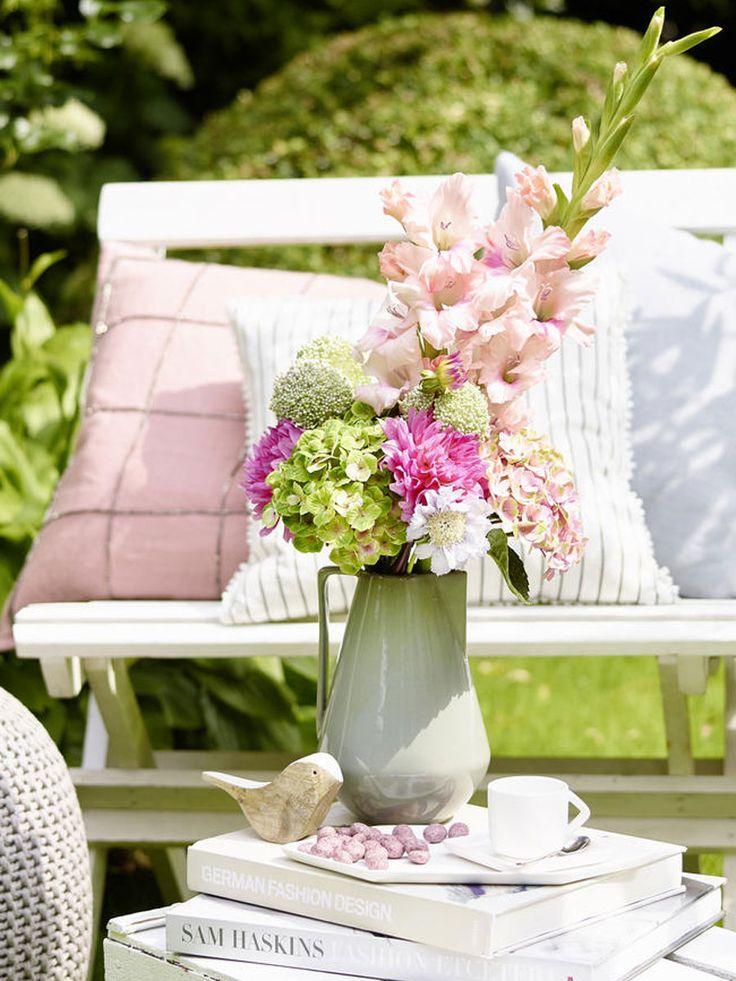5 romantische deko ideen mit hortensien alles rund um wunderweib pinterest sch ne blumen - Deko mit hortensien ...