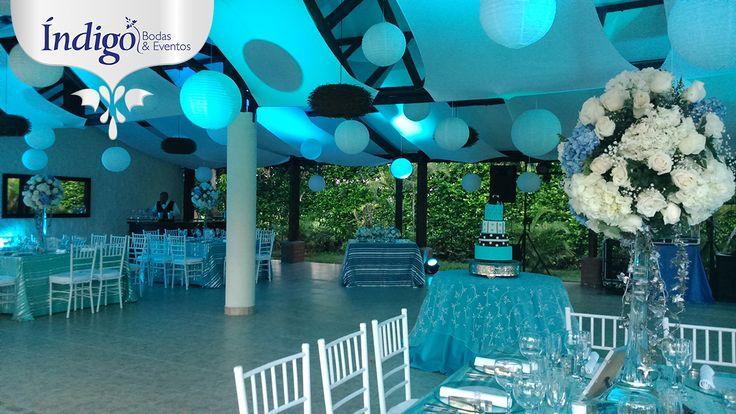 Boda azul centros de mesa altos en jirafa hortensias - Mesa centro blanca ...