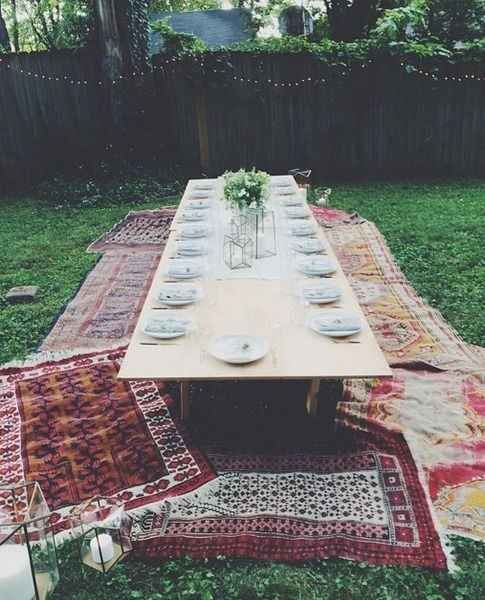 Fun summer activities to do in your backyard. Host a picnic with vintage rugs is my favorite!