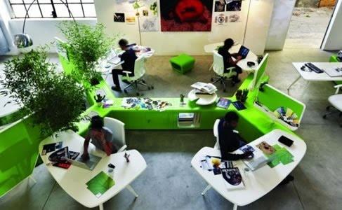 El color verde y plantas en el entorno ayudará a que sea un espacio agradable y se sentirán muy cómodos.