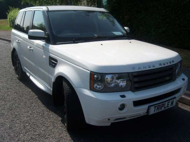 2008 Range Rover Sport 3.6 TDV8 HSE 5-door automatic estate in white. Any trial or inspection welcome.