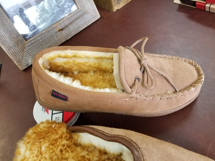 Red wing slippers size 11