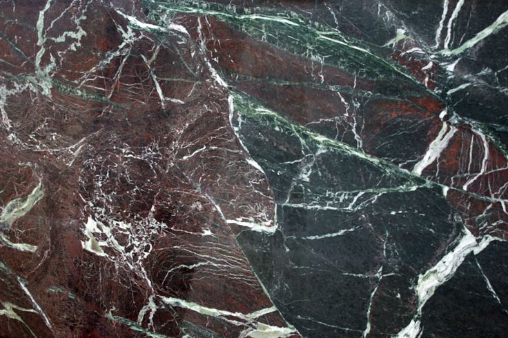 ROSSO LEVANTO #marble #stone #floors #walls #tiles #marblefloor #marblewall #portugal #aveiro #villas #hotels #houses #green #verde #redmarble #rossolevanto #luxo #luxury #casas #hoteis #pavimentos #paredes #marmorevermelho #purple #roxo