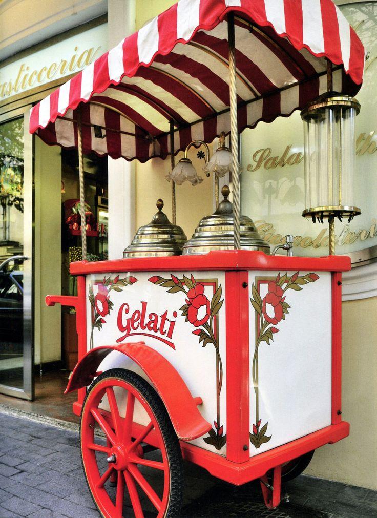 Gelato Cart in ~~ Siena