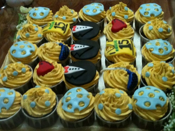 Floorball cupcakes!!