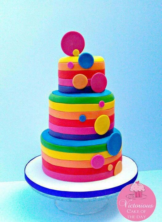 rainbow stripes on tiers w/ circle accents