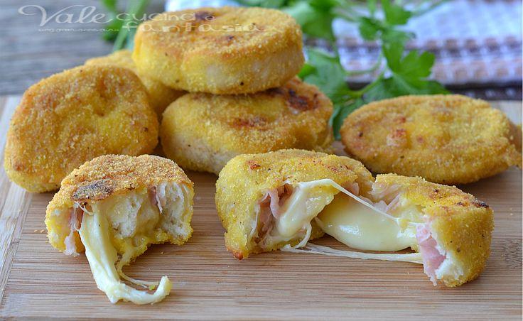 Girelle di pizza impanate con prosciutto cotto e mozzarella