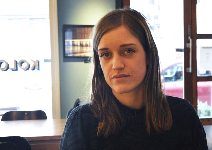 Amalie Kasin Lerstang (f. 1988) er tildelt Vesaas debutantpris 2014 for romanen Europa, som kom ut i fjor vår.  Dette er en lavmælt roman, skrevet i et stilisert og deskriptivt språk, om destruktive menneskers forsøk på å nå frem til hverandre. Cappelen Damm gratulerer!