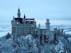 雪舞う季節こそ満足度最大!真冬のノイシュバンシュタイン城 | ドイツ | トラベルjp<たびねす>