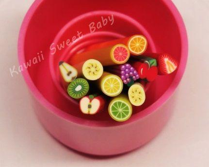 Barritas de fimo paquete de frutas surtidas.