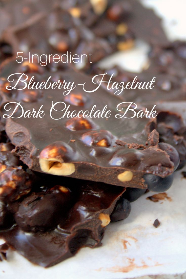 This bark is decadent, yet super healthy! Only 5 ingredients and super easy to make. | The Refreshanista