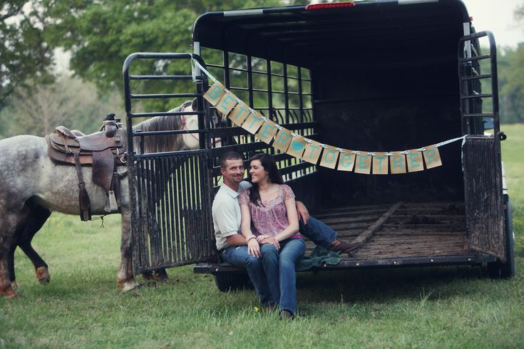 adorable. western-themed engagement photos