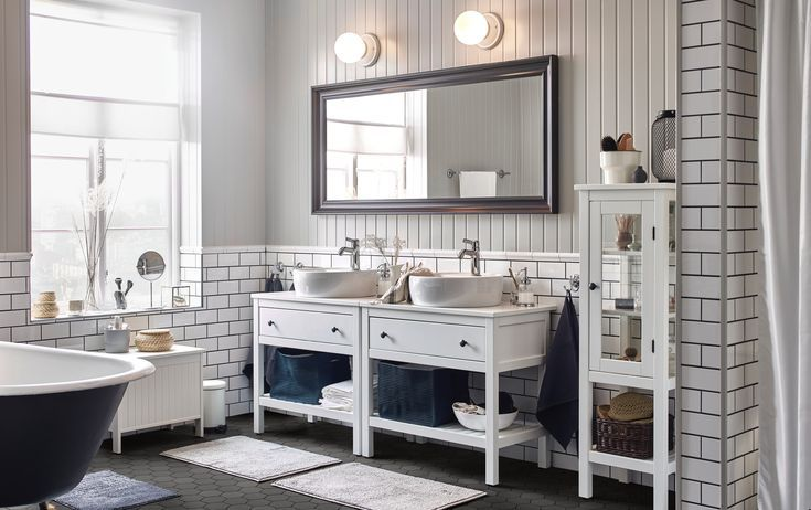 Recharge Your Batteries In This Bathroom For Two Dedicated To Relaxation Relaxing Bathroom Bathroom Vanity Bathroom Furniture