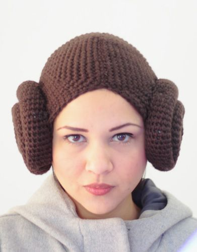 Princess Leia free pattern pdf! I think this is better than the other patterns that I've seen.