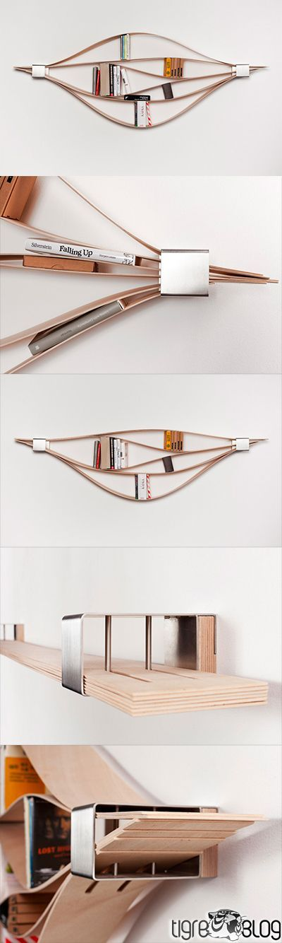 """LA LIBRERIA FLESSIBILE """"Chuck"""", disegnata dal designer tedesco Natascha Harra-Frischkorn, è una scaffalatura flessibile composta da sei tavole con lo spessore di 4 millimetri di legno che possono essere regolate per contenere piccole collezioni di libri o altri oggetti in una bella forma organica"""