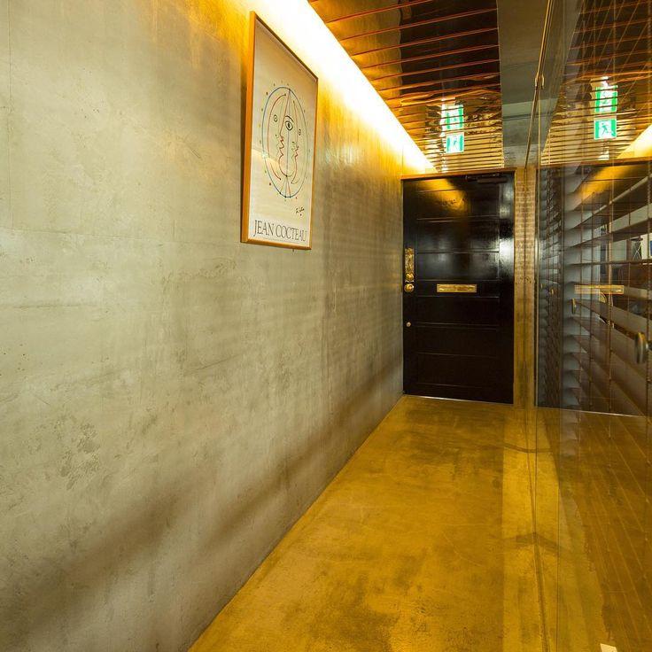"""鹿児島市東千石町にあるギャラリーショップです。雑貨・アート作品の販売の他、ギャラリースペース・セミナールームの貸出も行っています。 """"shop&gallerySOMETHING"""""""