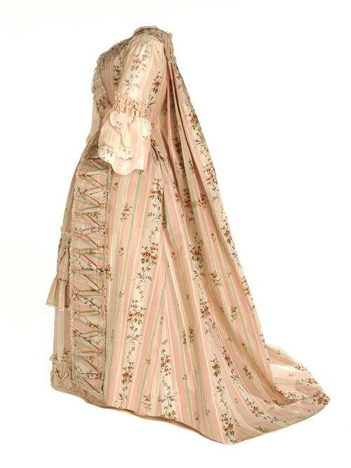 Gown (Robes à la française): ca. 1760-1770, Spanish (probably), Bejing silk with floral decoration.
