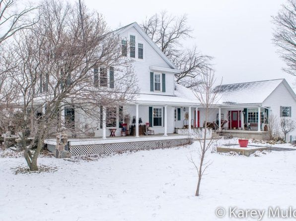 View 74 photos of this $449,900, 6 bed, 4.0 bath, 3553 sqft single family home located at 2297 68th St SE, Caledonia, MI 49316 built in 1850. MLS # 16006465.