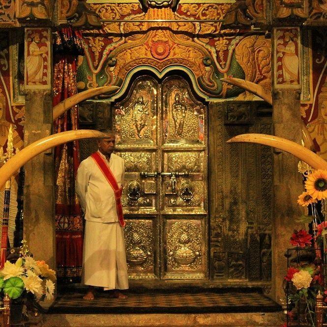 Sri Lanka Temple of the Tooth