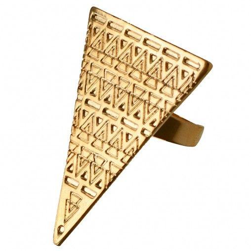 Sacha // Golden triangle ring € 3,00