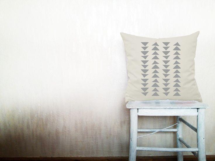 Geometrisch Kissenbezüge Kissenhüllen 60x60 cm von HomeLivingIdeas auf DaWanda.com