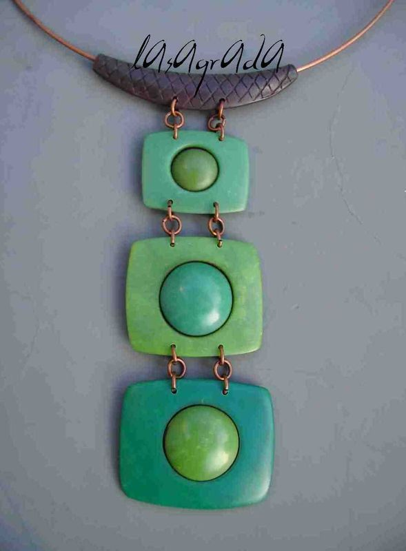 LaSagrada has not added to this blog since 2009 but there are some wonderful designs here and a few tutes thrown in. #polymer #clay #tutorial