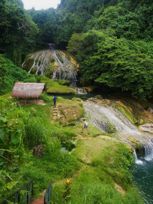 Tropical retreat, Lololima Cascades / Vanuatu (by jeddalemana).