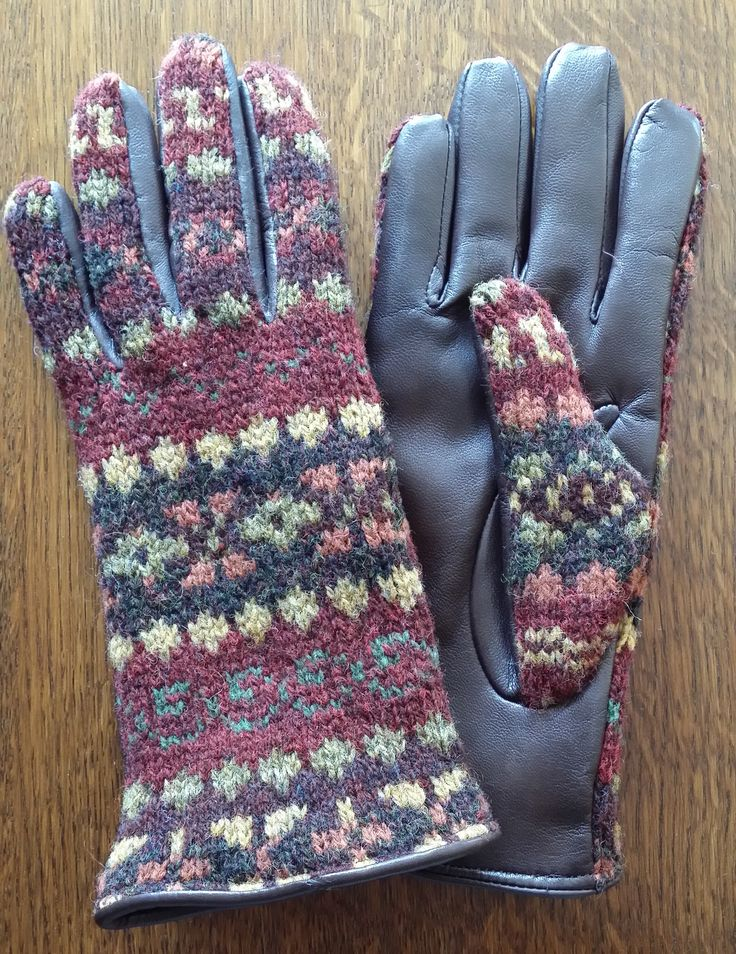 919-18 pattern with Mocca leather palms.