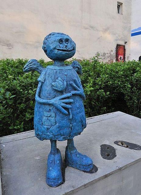 Blauer Engel im Stadtteil Praga, Warschau / Blue Angel in the district Praga, Warsaw (Poland) | Flickr - Photo Sharing!