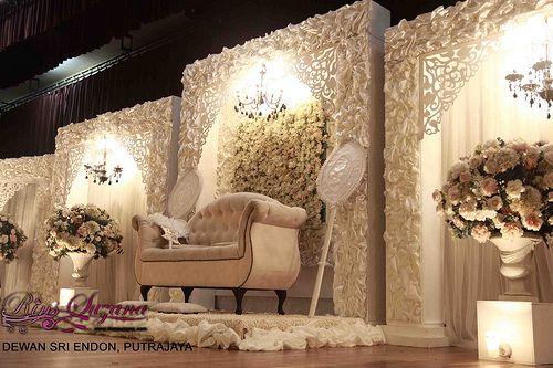 Beautiful wedding pelamin from designer Rins Suzana of Butik Pengantin Rins Suzana in Kuala Lumpur, Malaysia....
