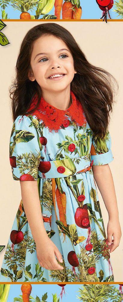 f5dff201bb DOLCE   GABBANA Girls Mini Me Blue Vegie Print Dress for Spring Summer  2018. Love this delightfully pretty mini me look inspired by the D G  Women s ...